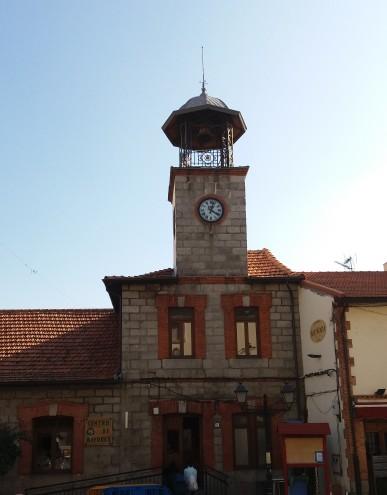 aa-old-folks-home-clock
